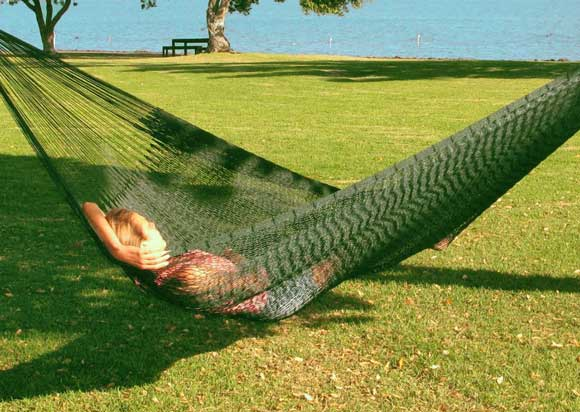 outdoor-double-hammock-forest